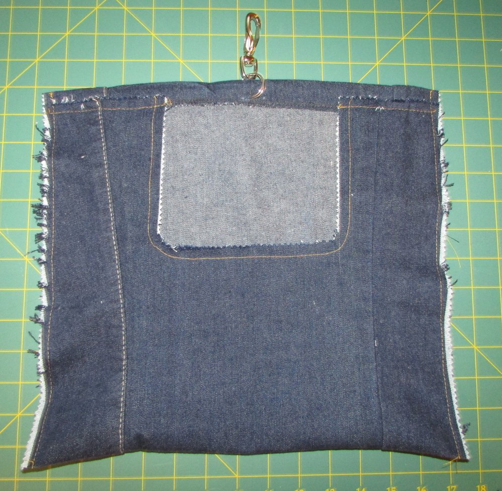 DIY Clothespin Bag Made From Cut Off Jeans - A Tremendous Home