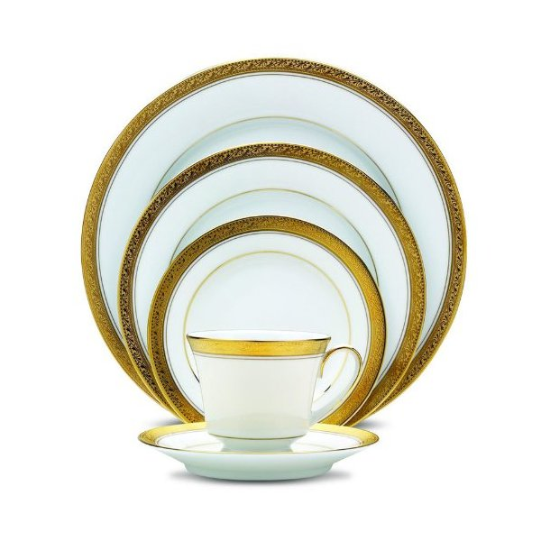 Trimmed in Gold Themed Dinnerware Set