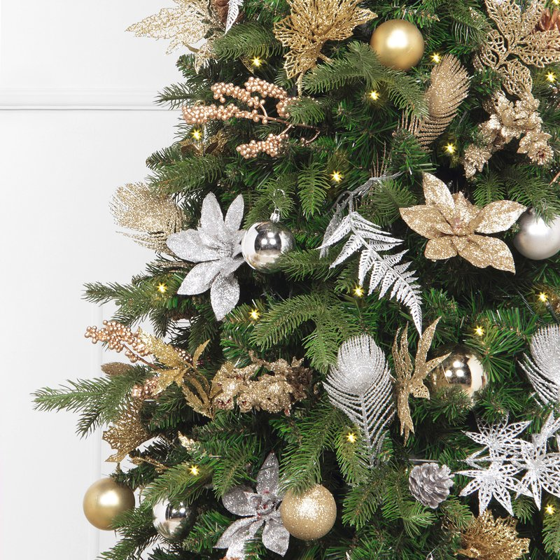 The Holiday Aisle Artificial Christmas Tree with 270 White Lights and Ornaments Close Up