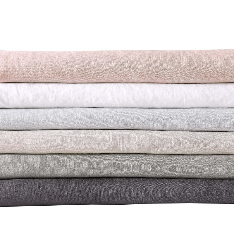 Linen sheets in various colors