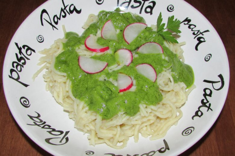 Radish Greens Pesto With Spagetti and Radishes