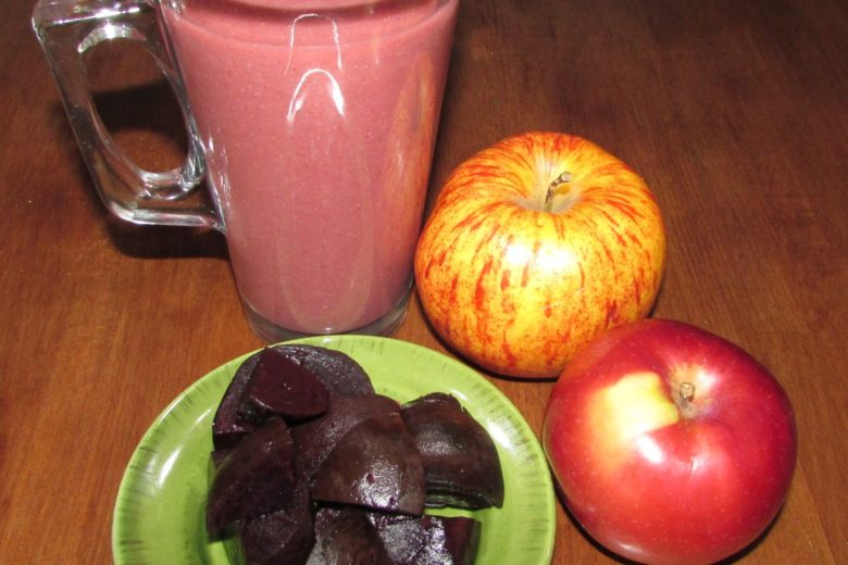 Red Beet and Apples Smoothie